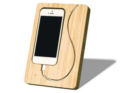 bamboo-iphone-dock