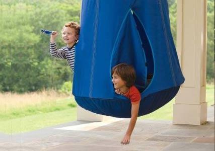 kids-hanging-pod