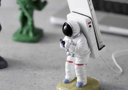 astronaut iphone dock - photo #3
