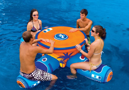 Floating-bar-for-pool